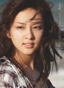 2012年武井咲カレンダー 1月2月